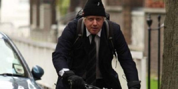 Em Londres, prefeito e vereadores ganham vale-transporte e não têm direito a carro oficial