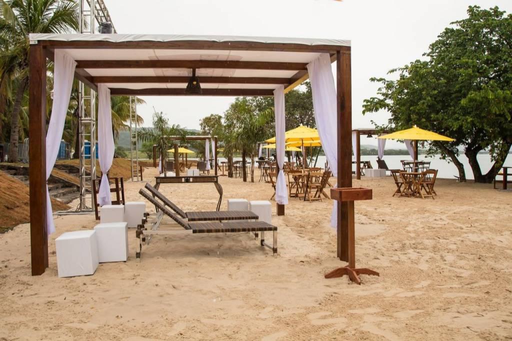 Praia do Enseada Beach Club